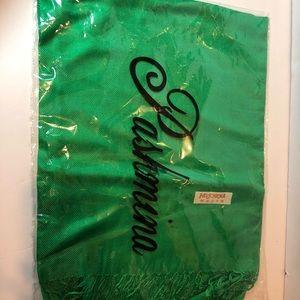 Pashmina all green scarf